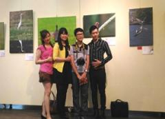 本校23日開展「飛羽之美攝影暨水彩畫聯展」,大學結合社會資源成就感恩與回饋,共同圓了一個孩子的夢,教育意義深遠的活動照片