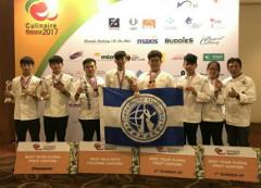 本校觀光與餐飲旅館系選手在馬來西亞吉隆坡廚藝挑戰賽榮獲3金5銀8銅的佳績,並締造包辦高分水晶獎座4座及選手全部獲獎的空前紀錄的活動照片