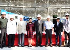 本校「學生活動中心暨體育館新建工程」於10月24日上午9時良辰舉行上樑典禮的活動照片