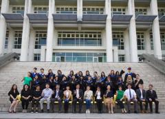 本校50名海青班學生歡慶畢業,逾170名海外家長來台參與海青班畢業典禮的活動照片