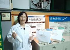 發揮防疫專業力——本校生物技術系發揮專業,製造「次氯酸水」贈送策略聯盟高中職校的活動照片